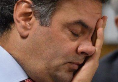 PSDB discute novo presidente. Partido quer Aécio Neves renuncie